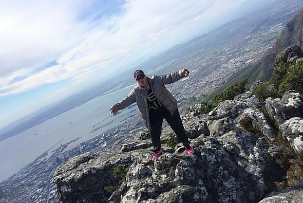 rebel wilson in south africa, table mountain, celebs in africa